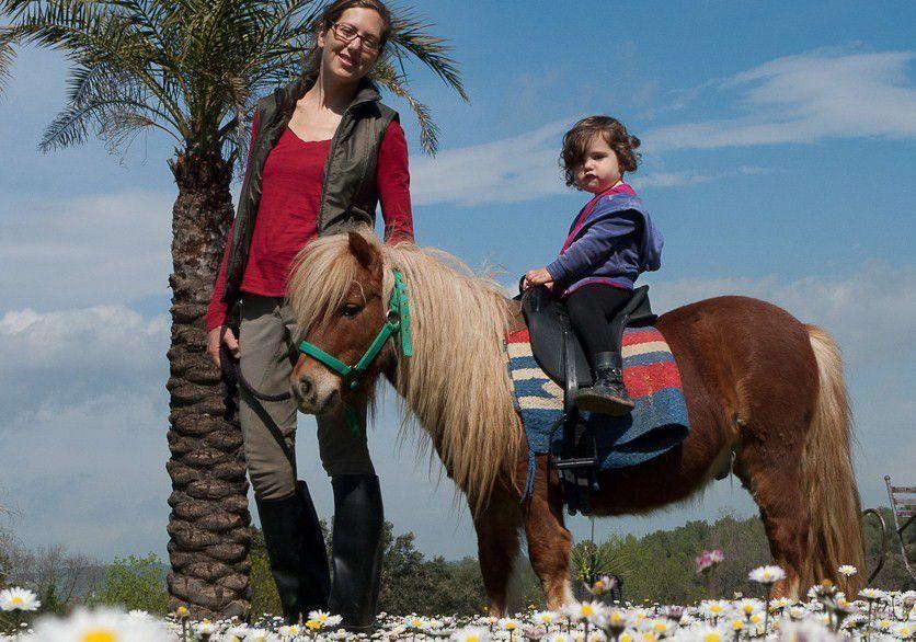 casa rural con caballos cataluña