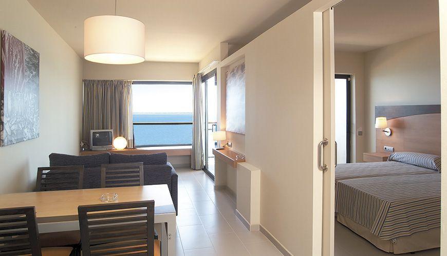 Oh Tels  Cap Roig : Un hotel en la playa muy cerca de PortAventura